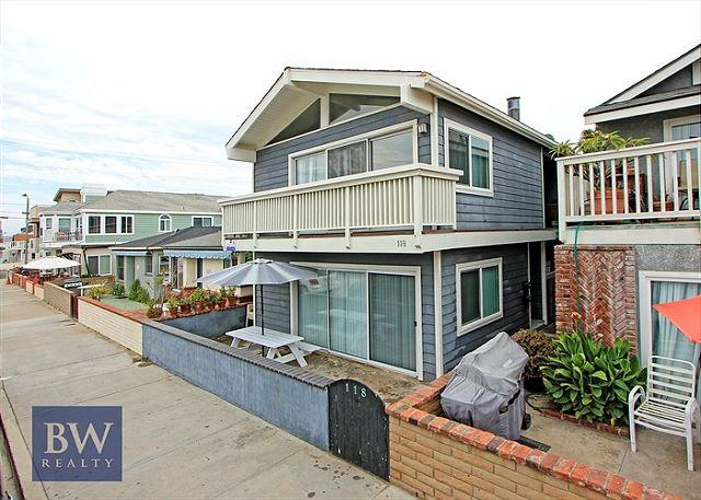 Brand new remodel in most desireable location! Steps to the Sand! (68254) - Image 1 - Newport Beach - rentals