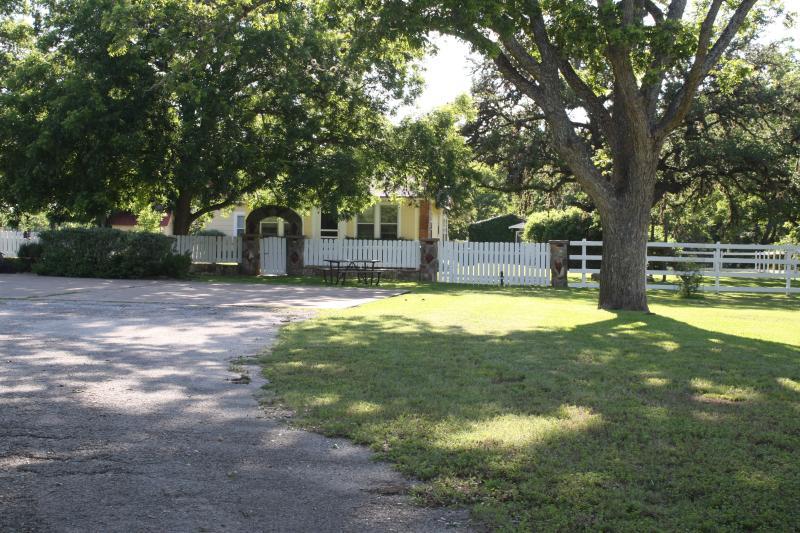 Beckmann Lane Guest House - Image 1 - Blanco - rentals