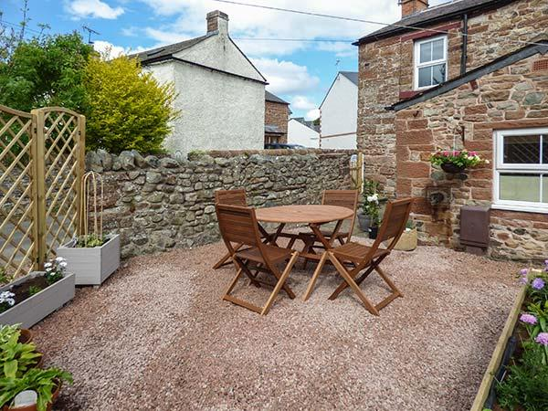 BAKERS COTTAGE, end-terrace, woodburning stove, pet-friendly, in Kirkby Thore, near Appleby In Westmorland, Ref 913554 - Image 1 - Appleby In Westmorland - rentals