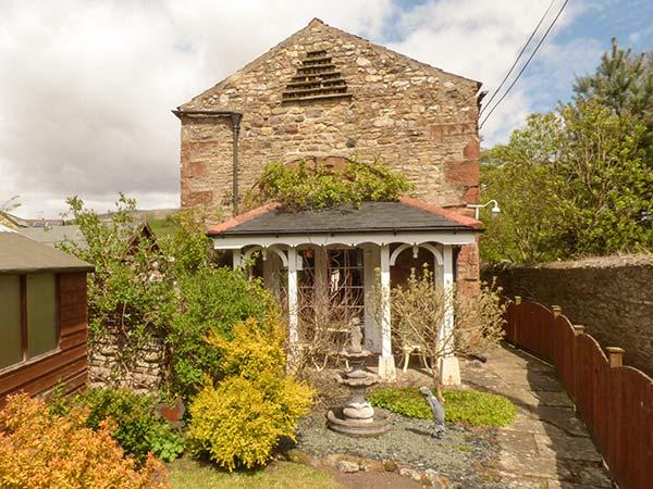 LINDEN LEA, stone semi-detached cottage, garden, in Brough, Ref 924658 - Image 1 - Brough Sowerby - rentals