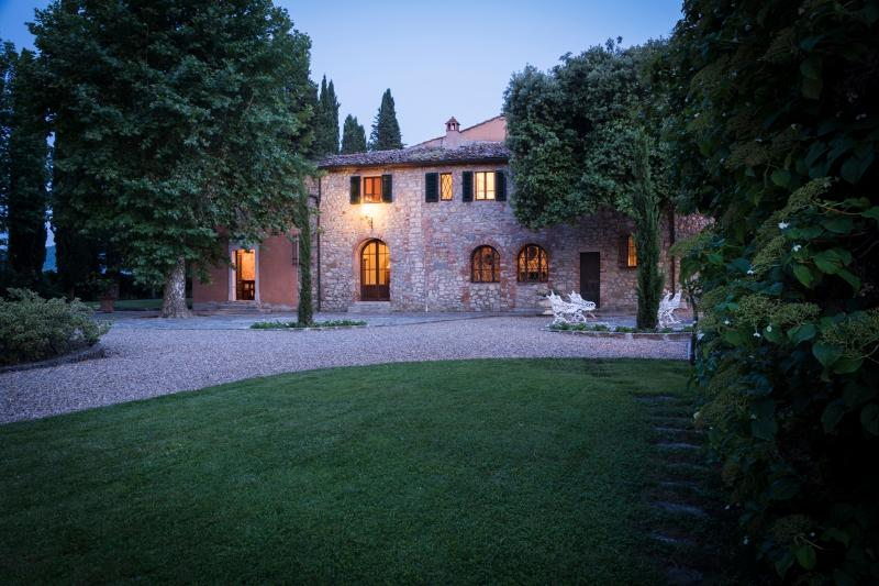 7 bedroom Villa in Bucine, Siena and surroundings, Tuscany, Italy : ref 2293986 - Image 1 - Montebenichi - rentals