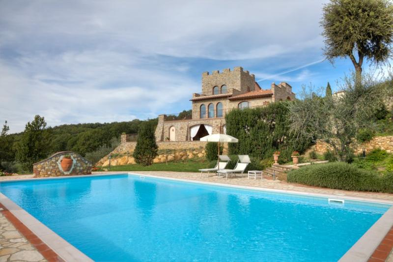 4 bedroom Villa in Montaione, San Gimignano, Volterra and surroundings - Image 1 - Villamagna - rentals