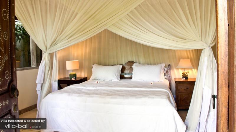 Villa Senang, quiet & authentic 4bdr villa - Image 1 - Seminyak - rentals