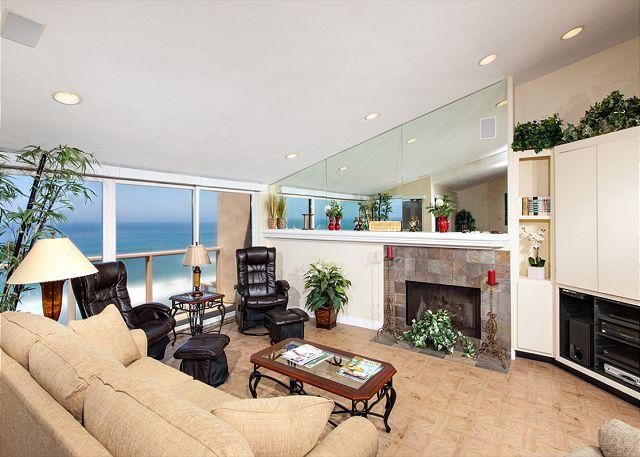 Light and bright oceanfront living room with fireplace - 2 Bedroom, 2 Bathroom Vacation Rental in Solana Beach - (SUR58) - Solana Beach - rentals