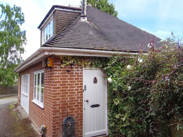 WOONTON HOUSE, WiFi, use of leisure facilities, patio, near Woonton, Ref 925301 - Image 1 - Leysters - rentals