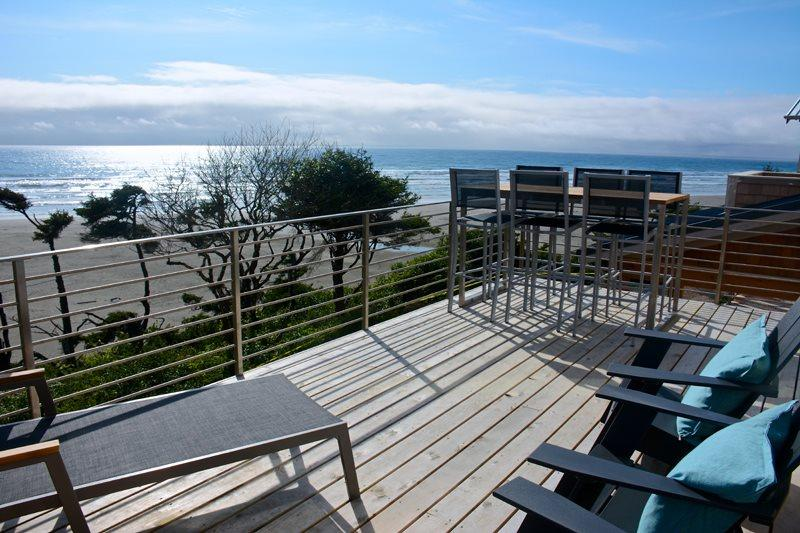 Front deck view of the ocean - Land`s End - Oceanfront - Pacific Beach - rentals