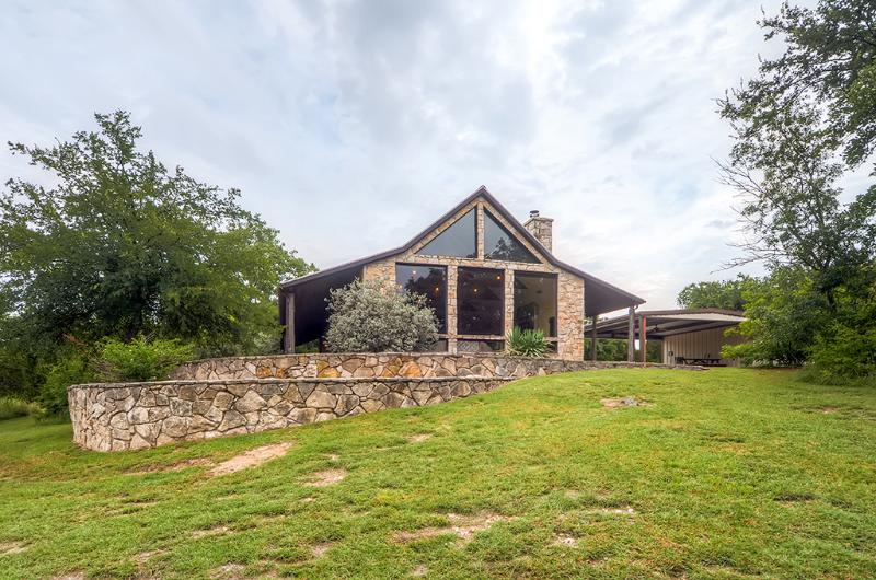 This secluded country retreat is very relaxing - 2BR + Loft Glen Rose Home Resting on 12 Secluded Acres - Near Fossil Rim Wildlife Park - Glen Rose - rentals