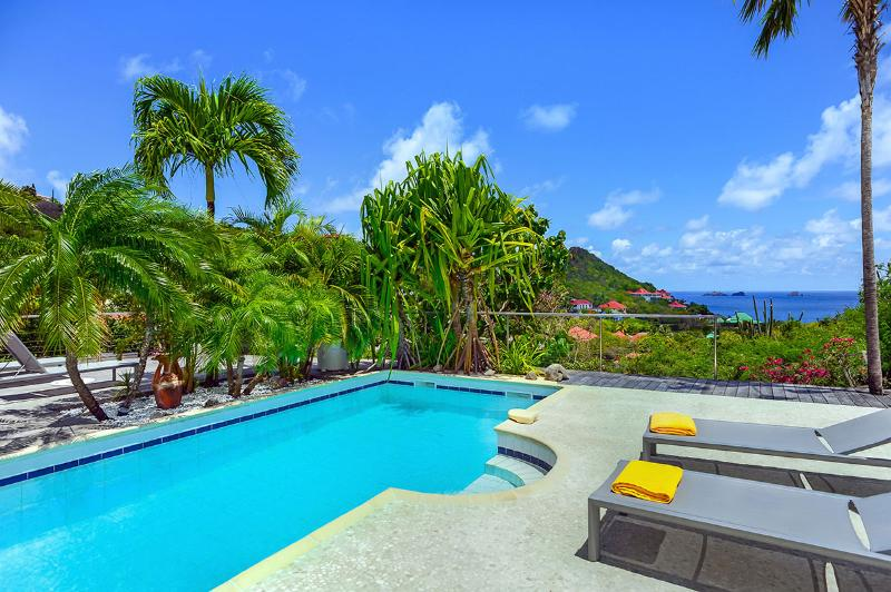 Ylang-Ylang, Sleeps 4 - Image 1 - Cruz Bay - rentals