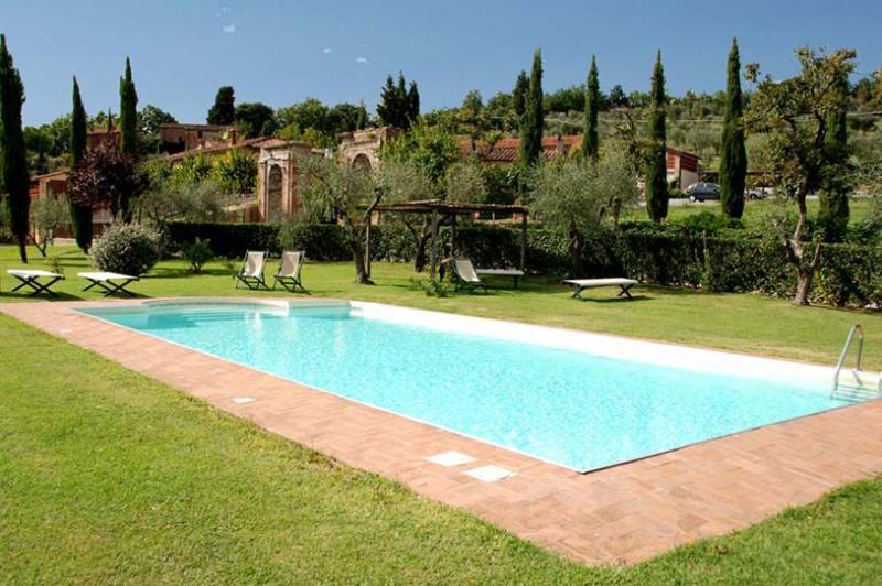 Casa Maria, Sleeps 10 - Image 1 - Capannori - rentals