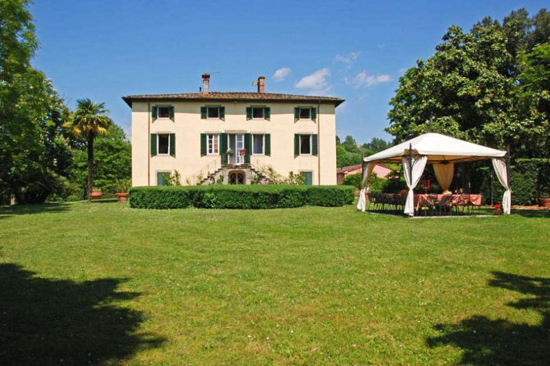 Villa Clara, Sleeps 20 - Image 1 - Lucca - rentals