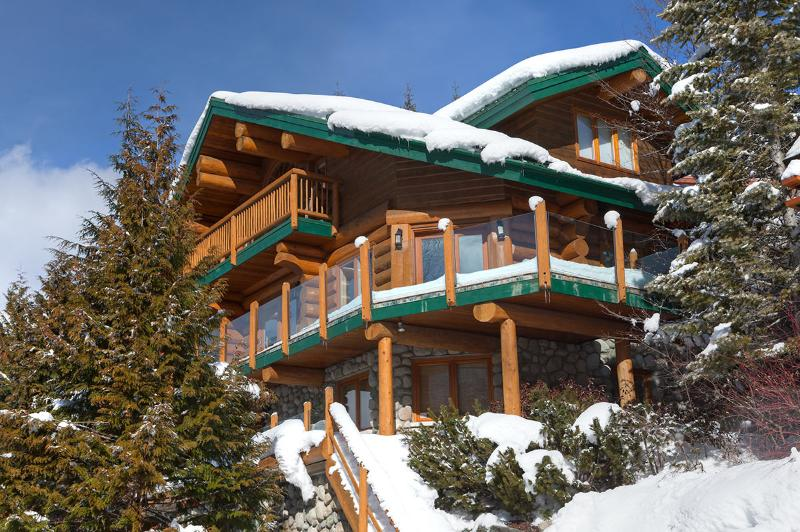 Snow Ridge Estate, Sleeps 8 - Image 1 - Whistler - rentals