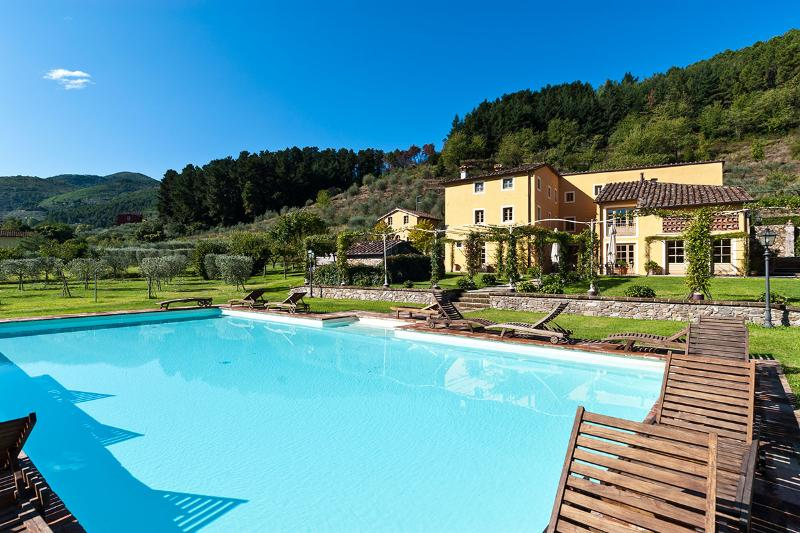 Casa Del Fattore, Sleeps 15 - Image 1 - Capannori - rentals
