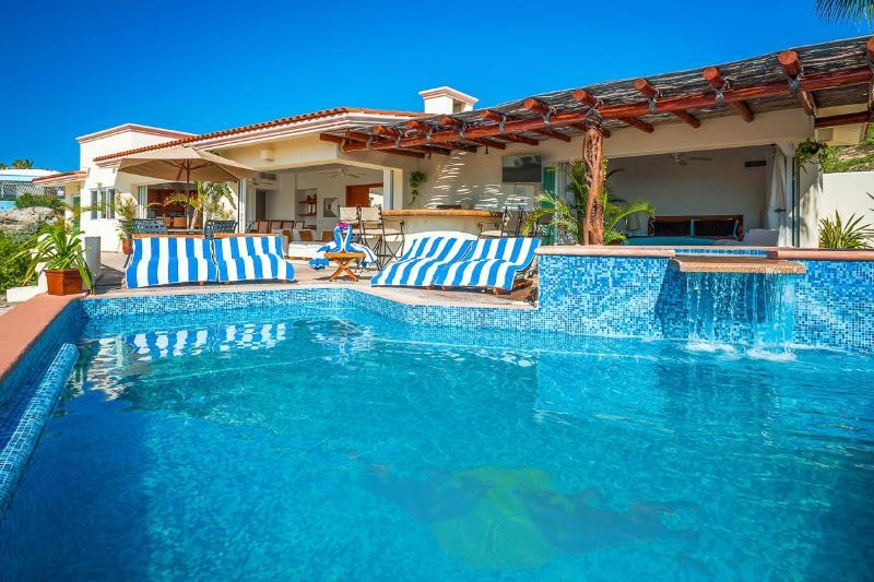Villa del Toro Rojo, Sleeps 12 - Image 1 - Cabo San Lucas - rentals