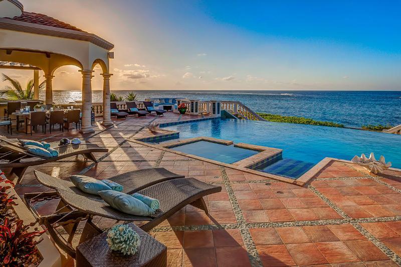 Villa Amarilla, Sleeps 6 - Image 1 - Island Harbour - rentals