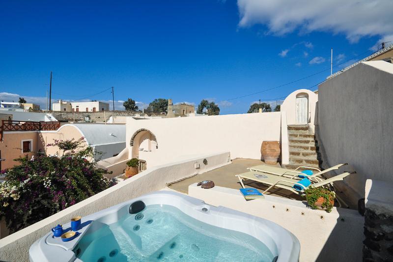 Villa Cyrene, Sleeps 4 - Image 1 - Megalokhorion - rentals