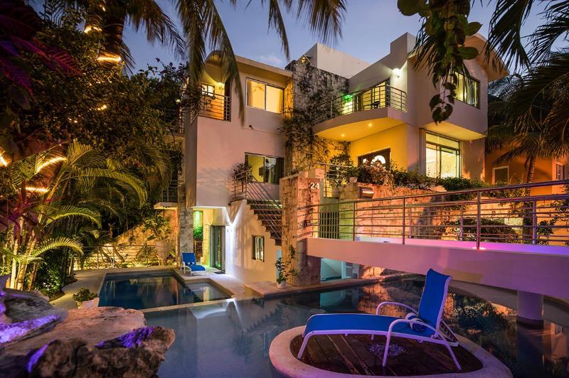 Casa Prieto, Sleeps 12 - Image 1 - Playa del Carmen - rentals