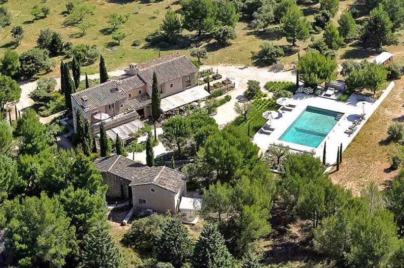 Chez Jean Claude, Sleeps 14 - Image 1 - Les Baux de Provence - rentals