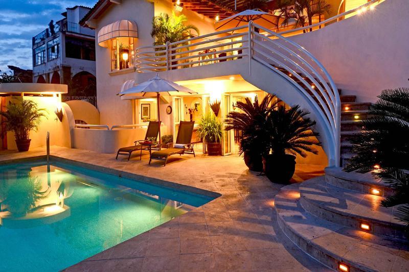 Casa Tabachin, Sleeps 10 - Image 1 - Puerto Vallarta - rentals