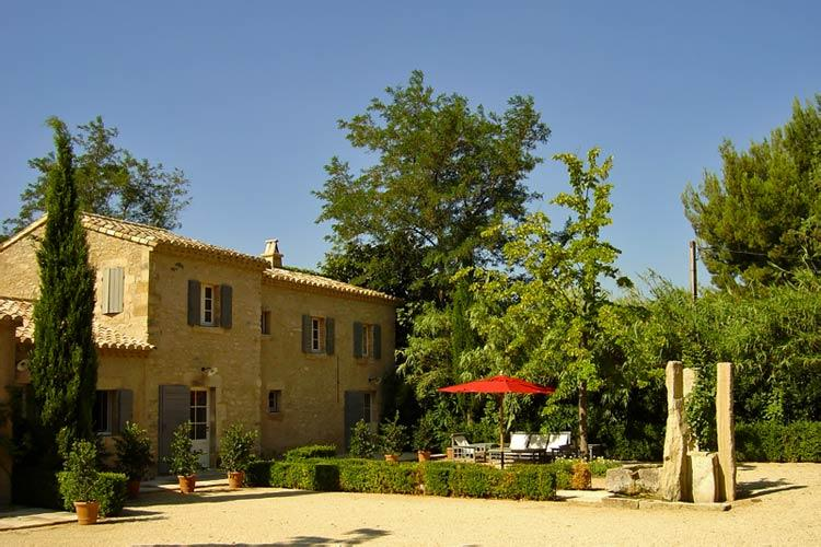Source Cachee, Sleeps 8 - Image 1 - Saint-Remy-de-Provence - rentals
