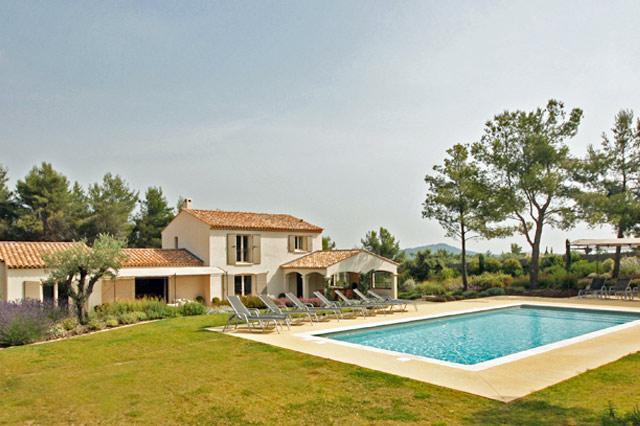 La Pinede, Sleeps 10 - Image 1 - Eygalieres - rentals