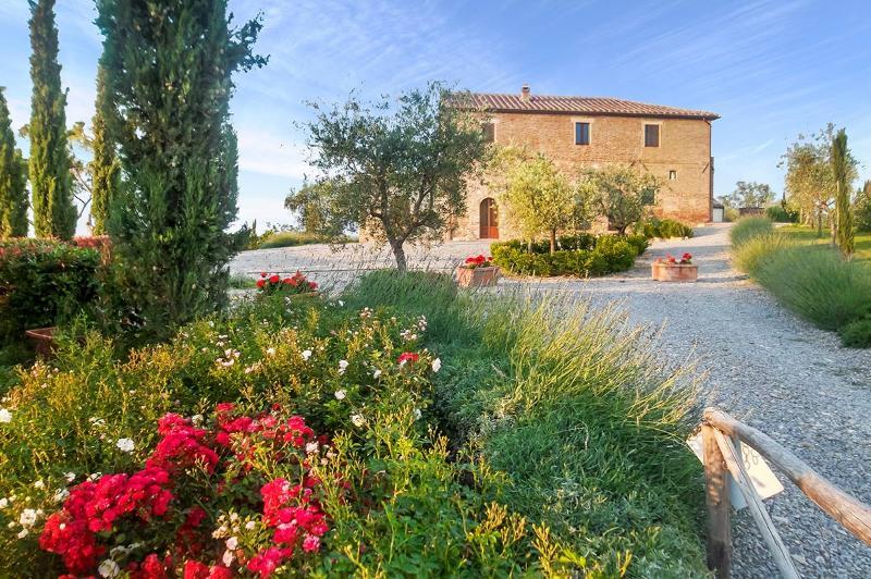 Villa Montepulciano, Sleeps 15 - Image 1 - Montepulciano - rentals