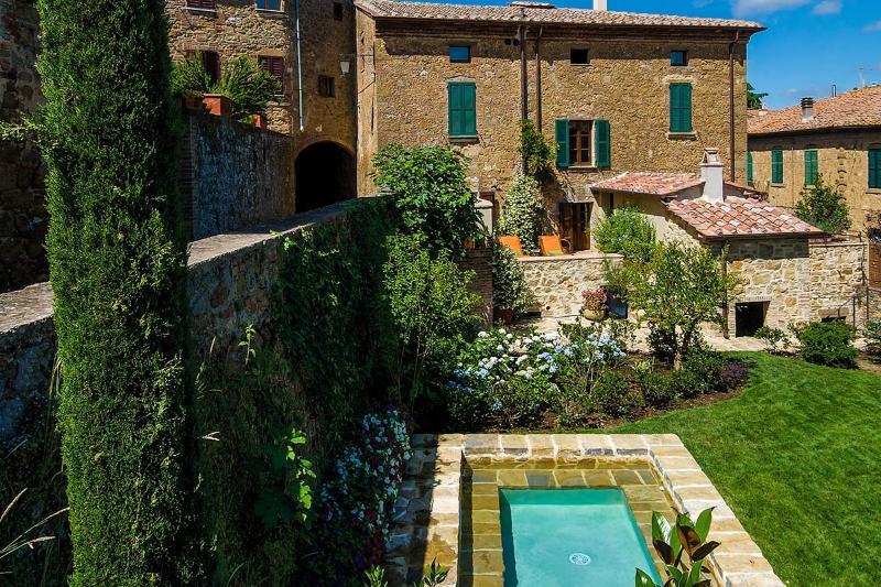1213 La Residenza, Sleeps 8 - Image 1 - Castelmuzio - rentals