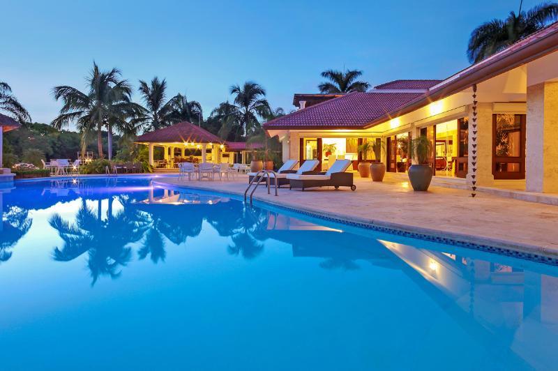 Villa Majestic, Sleeps 18 - Image 1 - Altos Dechavon - rentals
