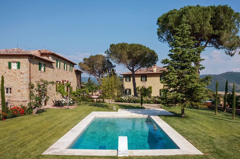 Villa Laura, Sleeps 20 - Image 1 - Cortona - rentals