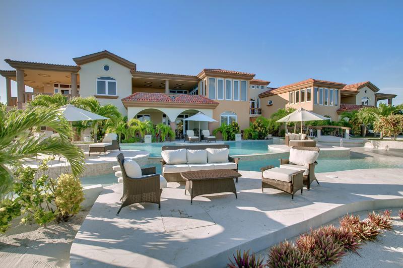 Villa Del Mar, Sleeps 8 - Image 1 - Ambergris Caye - rentals