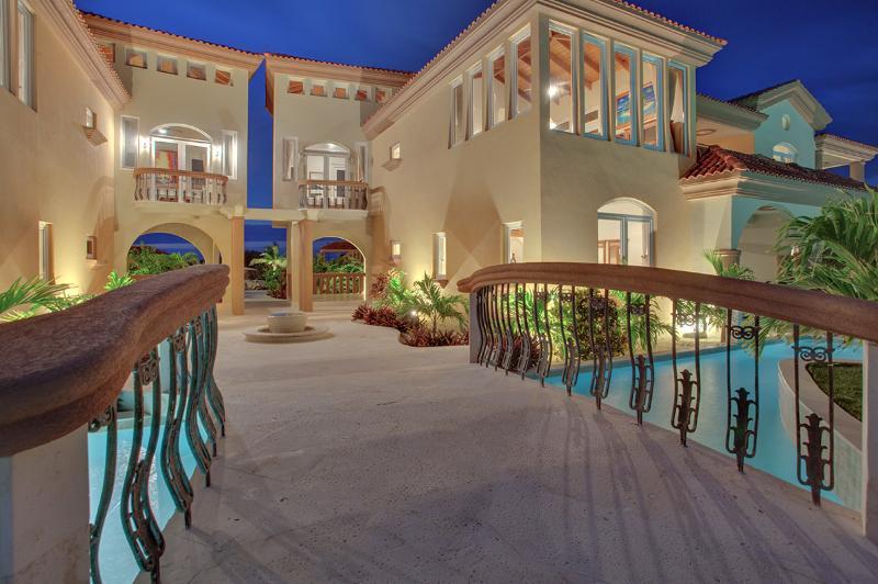 Villa Solemar, Sleeps 8 - Image 1 - Ambergris Caye - rentals