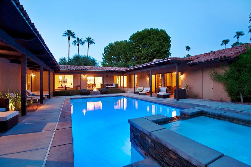 Desert Solstice, Sleeps 8 - Image 1 - Palm Springs - rentals