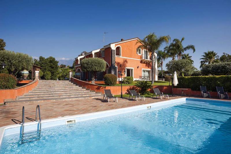 Villa Eden, Sleeps 11 - Image 1 - Acireale - rentals