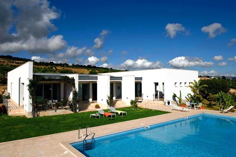 Villa Trapani, Sleeps 8 - Image 1 - Trapani - rentals