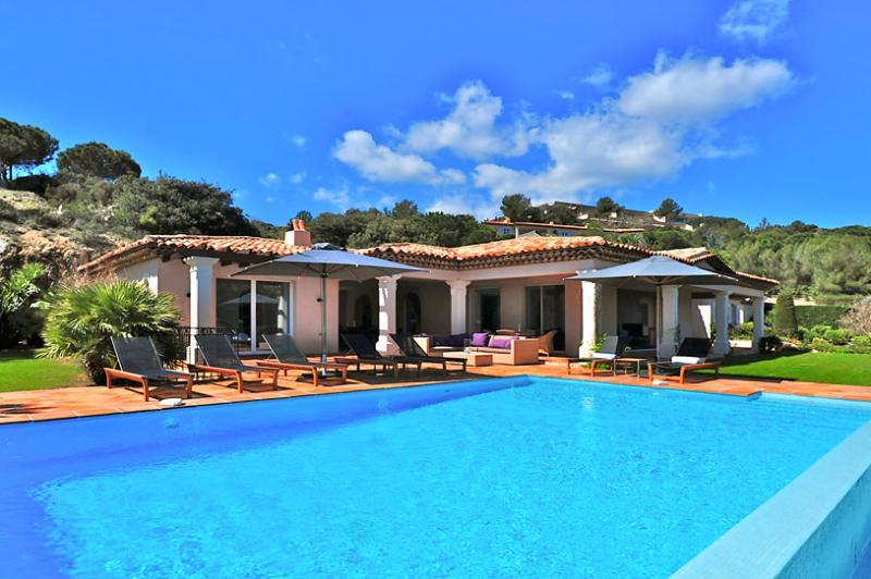 La Reserve - Villa 5, Sleeps 10 - Image 1 - Ramatuelle - rentals
