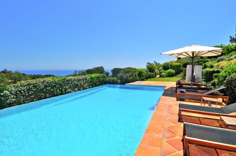 La Reserve - Villa 11, Sleeps 10 - Image 1 - Ramatuelle - rentals