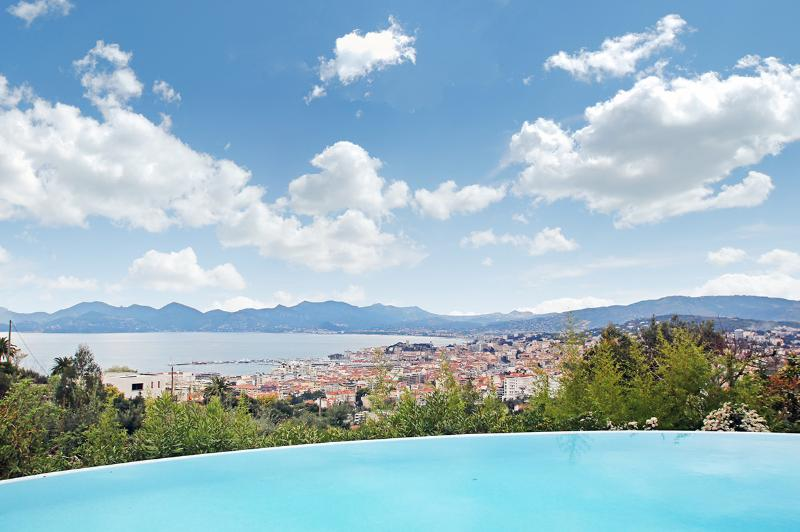 Villa Californie, Sleeps 12 - Image 1 - Cannes - rentals