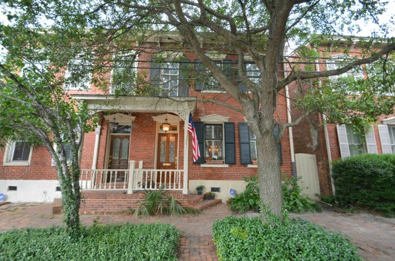 Luxury on Lincoln in Historic Savannah! SVR00260 - Image 1 - Savannah - rentals
