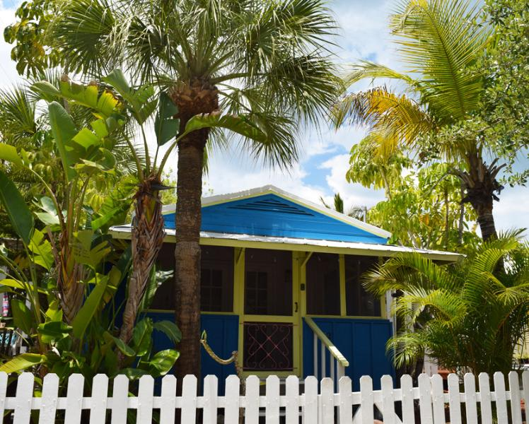 Blue Dolphin Cottage - Blue Dolphin / Yellow Palm Cottage - Sarasota - rentals