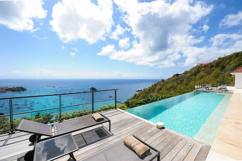 The View, Sleeps 4 - Image 1 - Anse des Flamands - rentals