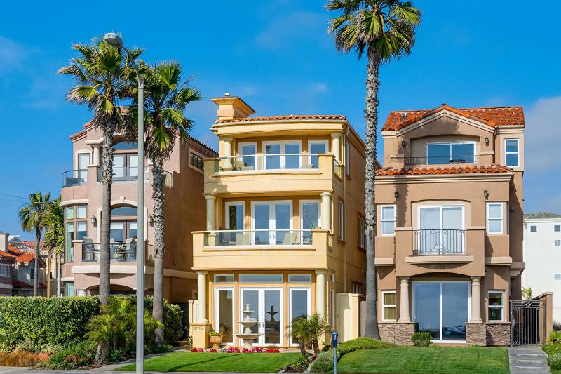 Huntington Beach Oceanfront, Sleeps 6 - Image 1 - Huntington Beach - rentals