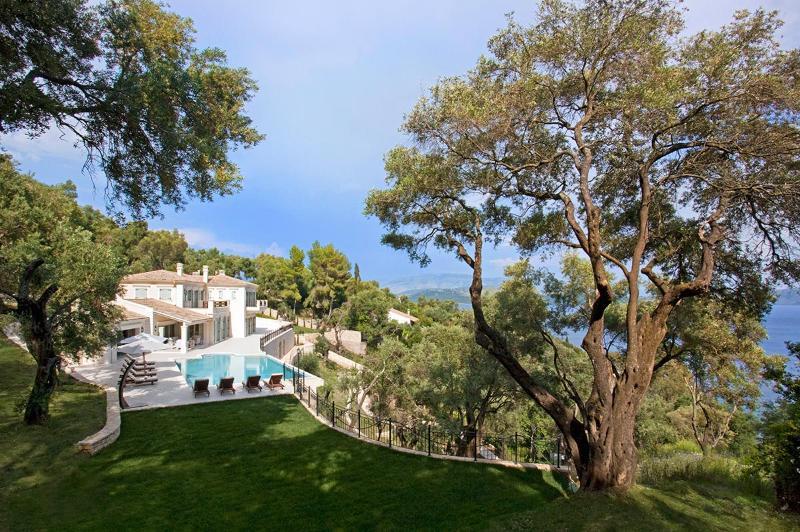 Villa Ferretti, Sleeps 12 - Image 1 - Agios Stefanos NE - rentals