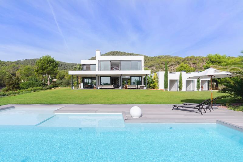 Villa Caleta, Sleeps 8 - Image 1 - Sant Josep De Sa Talaia - rentals