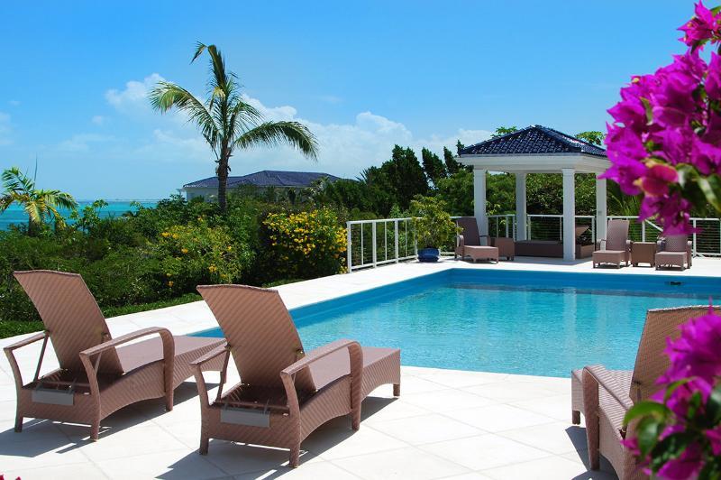 Villa White Sands, Sleeps 10 - Image 1 - Thompson Cove - rentals