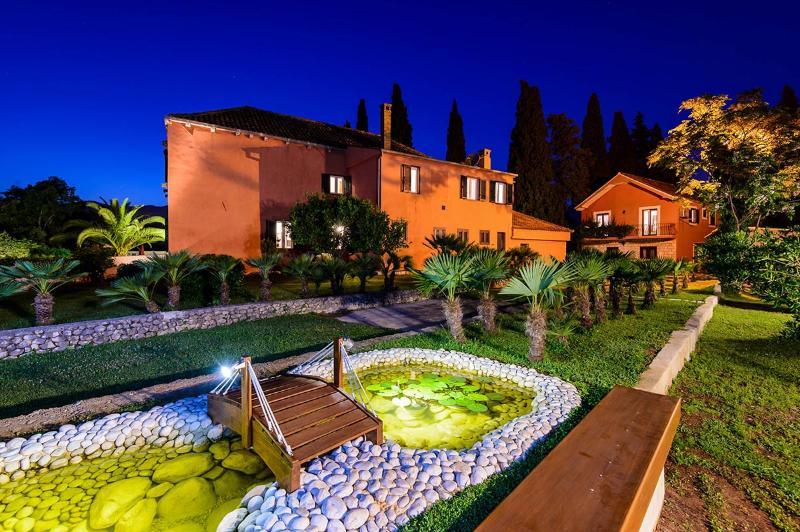 Villa Green Garden, Sleeps 10 - Image 1 - Dubrovnik - rentals