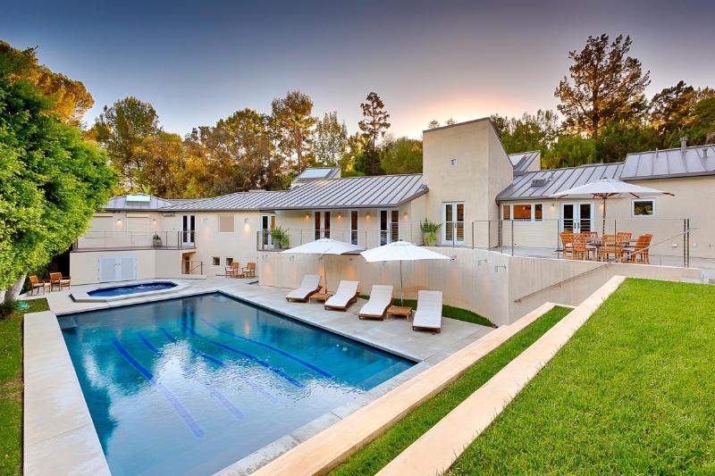 Londonderry Place, Sleeps 8 - Image 1 - West Hollywood - rentals