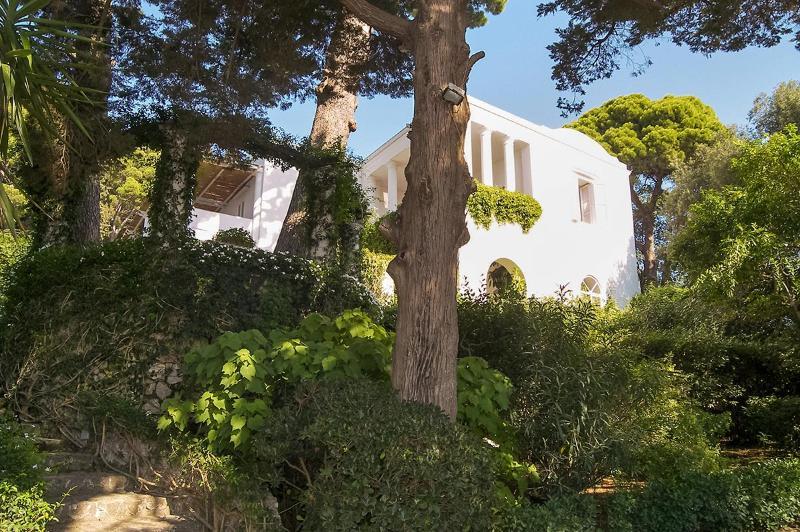 Villa Tiberio, Sleeps 10 - Image 1 - Capri - rentals