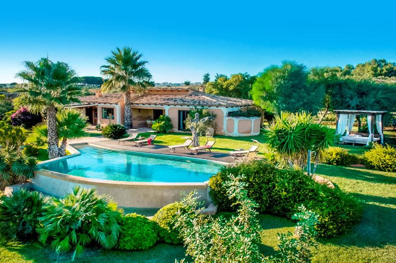 Villa Rosa, Sleeps 6 - Image 1 - Castelvetrano - rentals