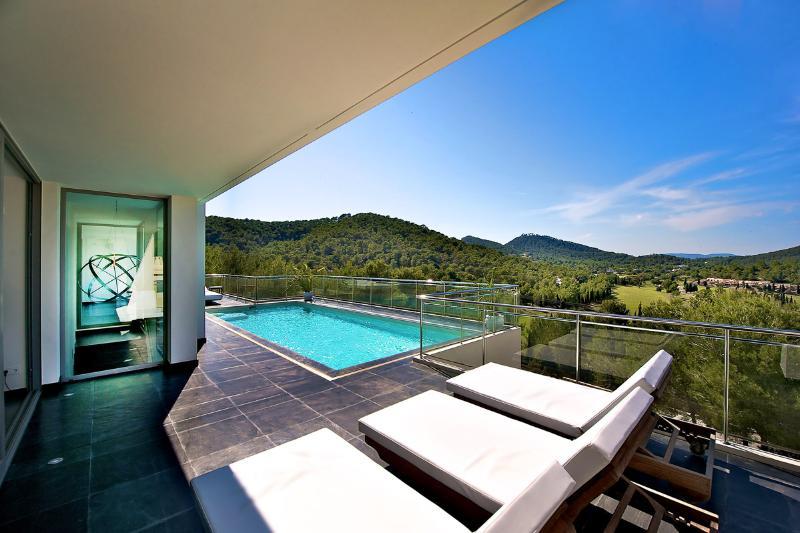Villa Zayl, Sleeps 8 - Image 1 - Ibiza - rentals