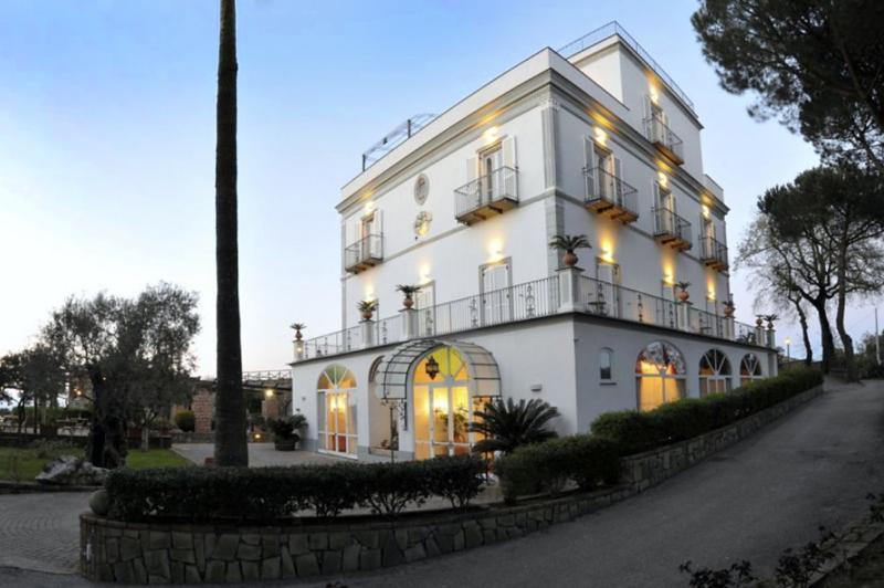 Villa Majestic, Sleeps 30 - Image 1 - Sant'Agata sui Due Golfi - rentals