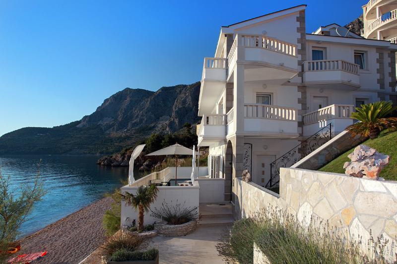 Villa Makarska, Sleeps 10 - Image 1 - Drasnice - rentals